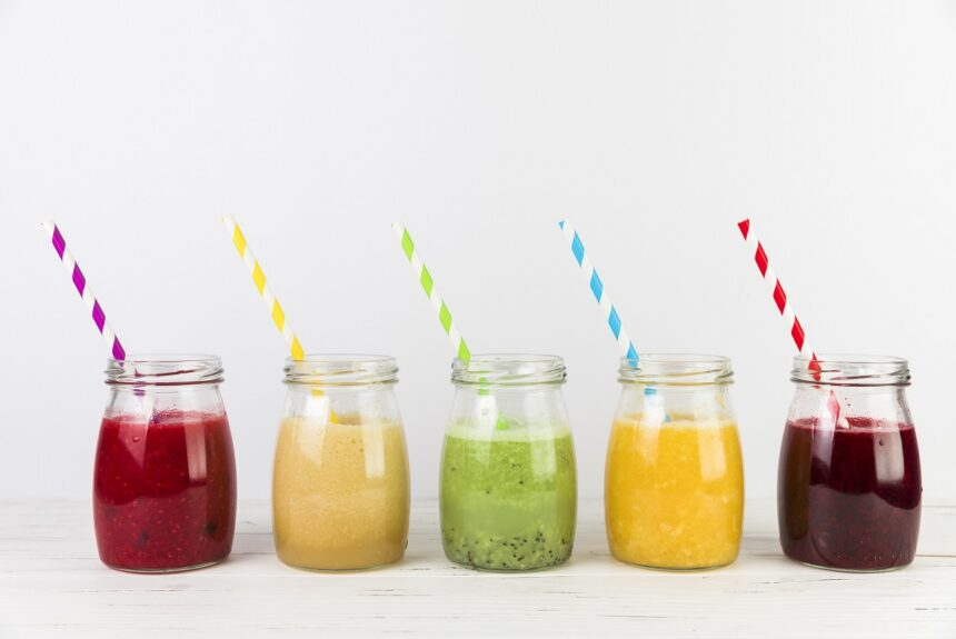 7 trucuri pentru un smoothie sănătos (plus 3 rețete pe care să le-ncerci)